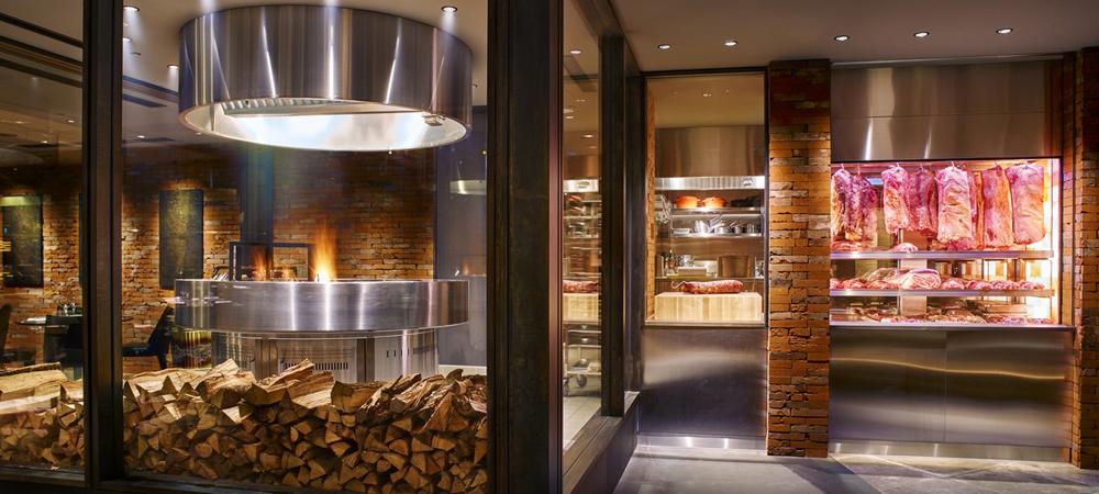 【新宿】一流ホテルの熟成肉やカップルシートで夜景を楽しめる!バレンタインディナーならココ6選